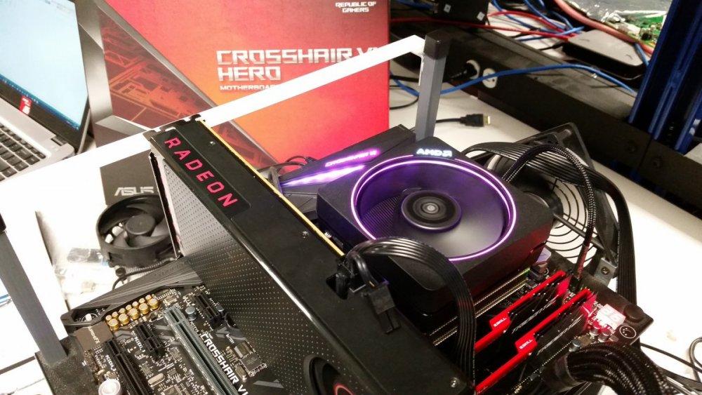 AMD-Ryzen-7-1700-ASUS-Crosshair-Hero.thumb.jpg.2ebe60a54223e94a86b507614710d0c8.jpg