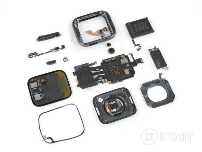 small_apple_watch_series_4_teardown_1.jpg.61100e6149a9ccac166685b1d1b4c9e4.jpg