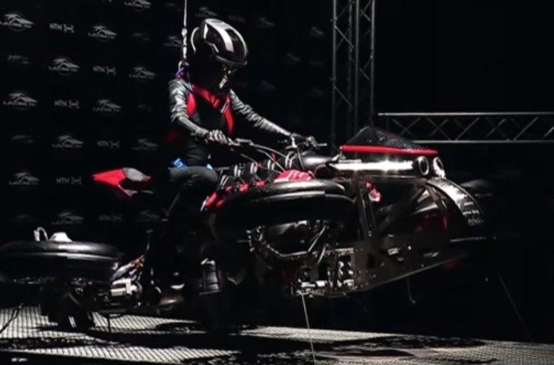 hoverbike.jpg.3fbdfaf1d6d53253cbd5478c384adf5e.jpg