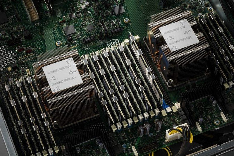 Intel-Xeon-Scalable-Family-with-3D-XPoint-Memory.jpg.5f0a683256a19700e13afdb5645aa912.jpg