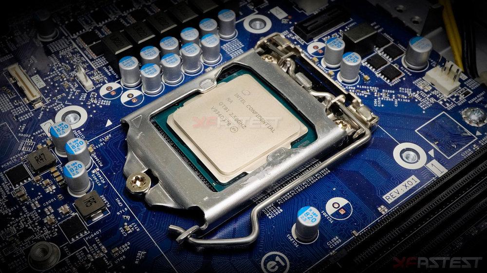 Intel-Core-i9-10900-nonK-Comet-LakeS-2.thumb.jpg.90356e5fc2b01db80cfb81271c878f07.jpg