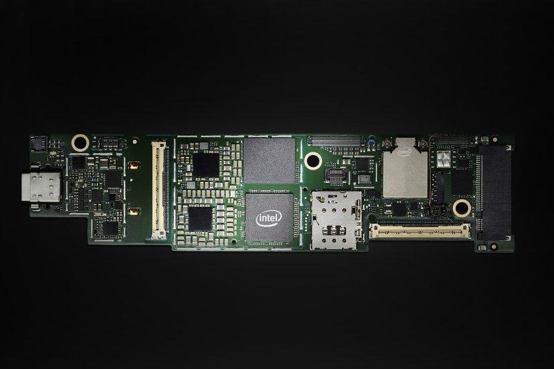 Intel-Lakefield-2.jpg.ad4e797b0e6577025b0758b51cbb415a.jpg