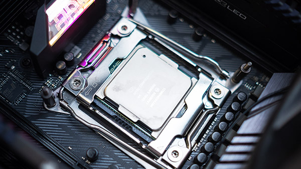 BIOS βελτιώνει το Overclocking στους Intel Cascade Lake X CPUs